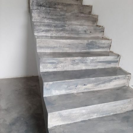Mikrocement na schody